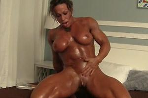 Huge Clit On Muscle Babe